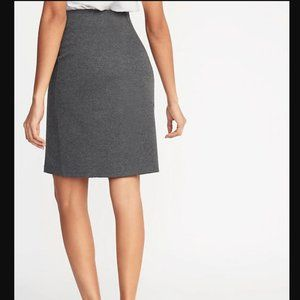 Old Navy Skirts - Charcoal Gray ponte knit pencil skirt - size large